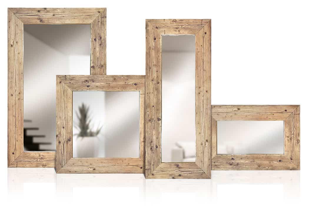 Specchi in legno vecchio di recupero