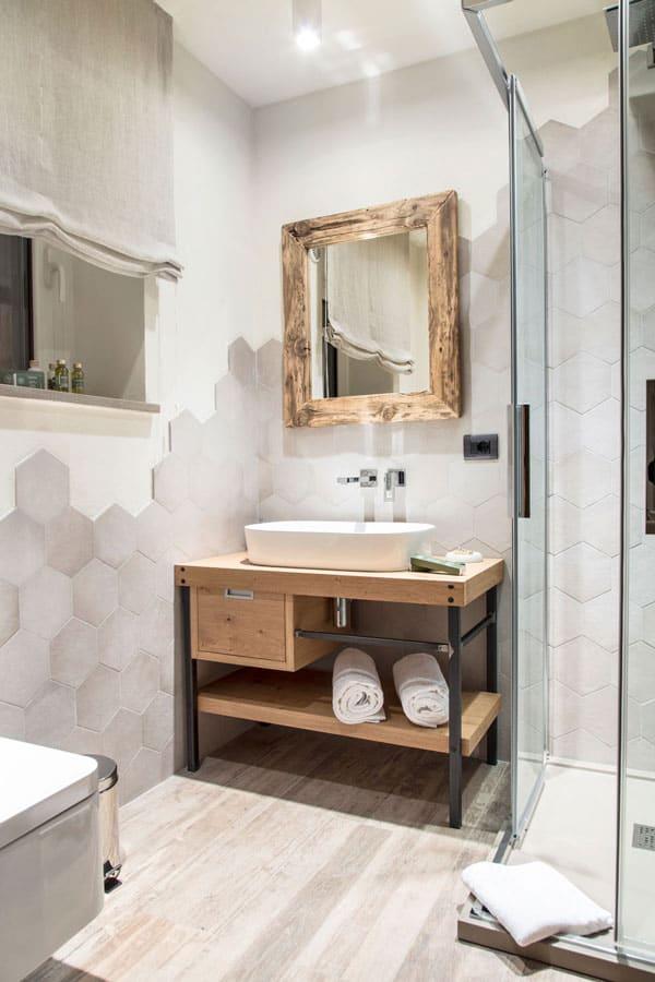 Specchio per bagno in legno di recupero