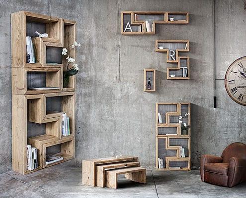 libreria modulare in legno vecchio di recupero