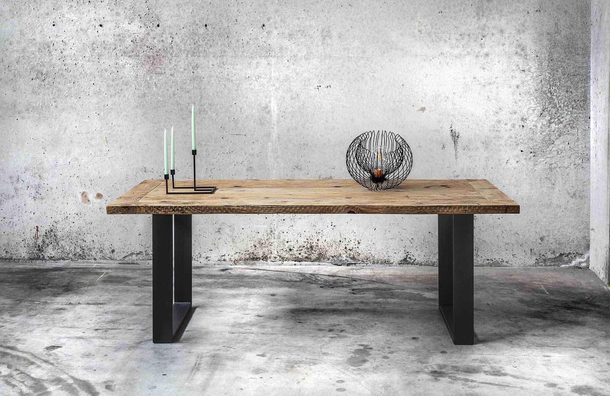 Tavolo in legno massello di recupero