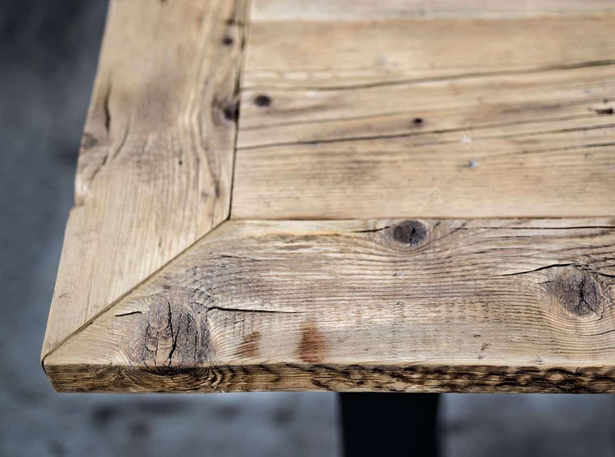 https://www.inventoom.it/wps/wp-content/uploads/2017/04/taavolo-da-pranzo-in-legno-vecchio-di-recupero-legno-massello-inventoom-04.jpg