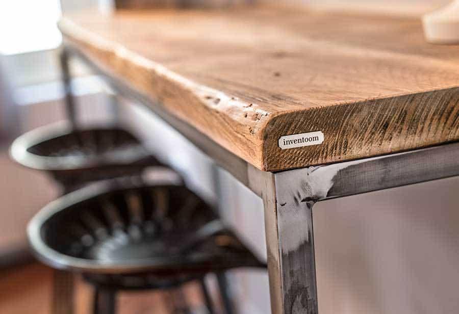 Consolle industrial in legno vecchio e ferro